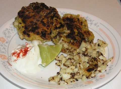 curry dal fritters with cauliflower
