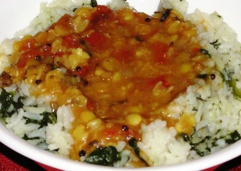 tomato dal with spinach-garlic rice