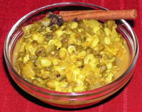 Surya's Cherupayar Curry