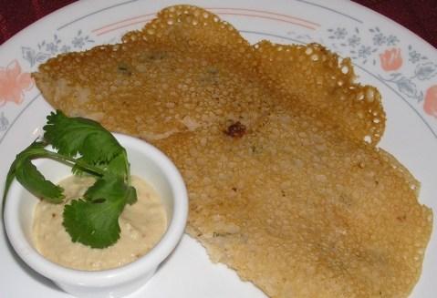 latha's rava dosa with peanut chutney