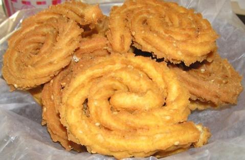 shilpa's moong dal chaklis