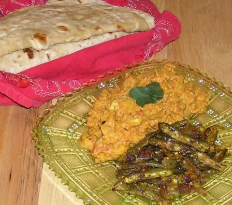 lera's lotus seeds gravy, isg's okra poriyal, homemade chapatis!