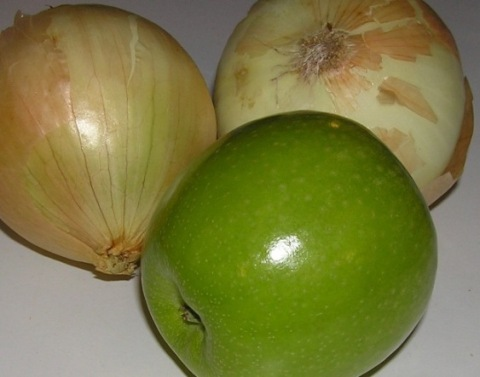 onions and apple