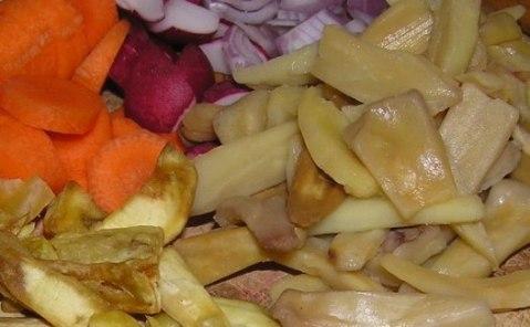 jackfruit chips, boiled jackfruit chips, shallot, radish,carrot