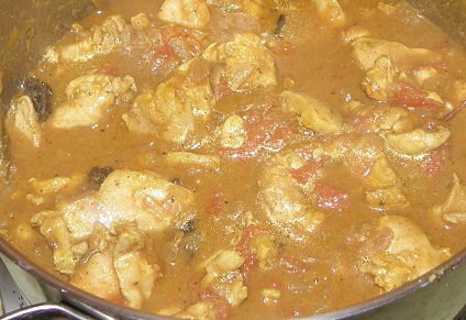 chicken curry with curry leaves galore!